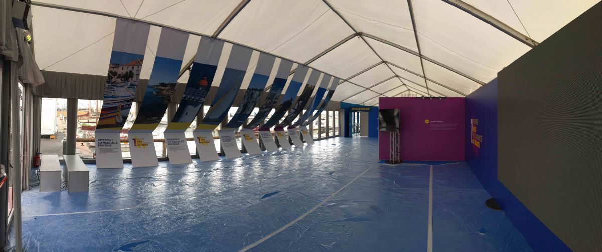Agencement de visuels pour le stand mpm du salon nautique la ciotat pose d 39 enseignes et - Salon nautique de la ciotat ...